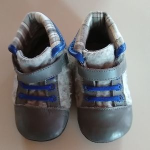 Robeez Baby Boy Blue/Gray Soft Soled Shoes 6-9 Mo.